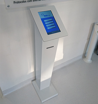 Multimedia Kiosk for and Waiting Management System for Clinics, Portugal, Angola, Mozambique